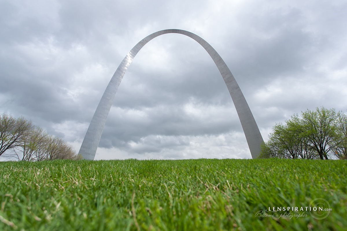 St. Louis Arch St. Louis Missouri USA    Canon EOS 5D Mark II 17 mm 1-200 sec at f - 5.6 ISO 50    042814-JAS_0291